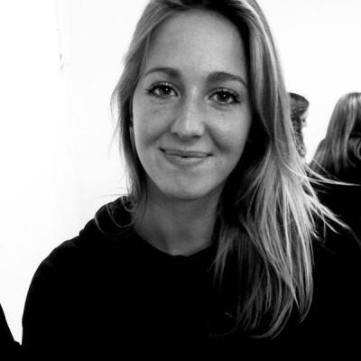 Anna zoekt een Kamer / Studio / Appartement / Huurwoning / Woonboot in Rotterdam