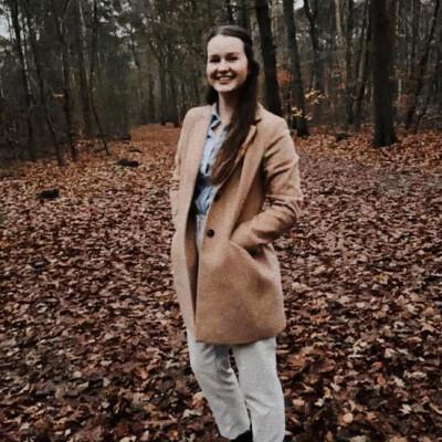Angela zoekt een Kamer / Studio in Rotterdam